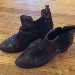 Very comfortable heeled booties